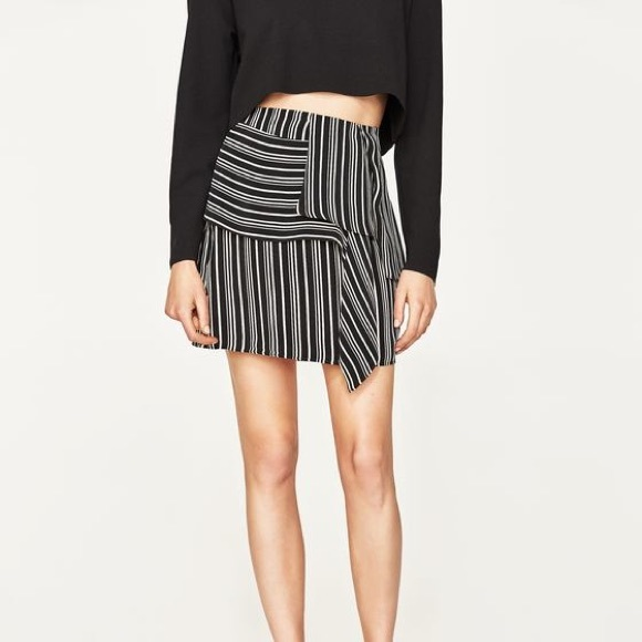 Zara Dresses & Skirts - Zara black&white stipe skirt